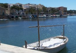 fishing boat in portocolom